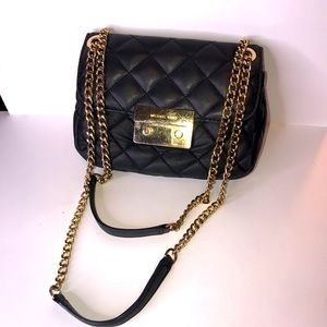 MICHAEL KORS QUILTED LEATHER GOLD CHAIN BAG